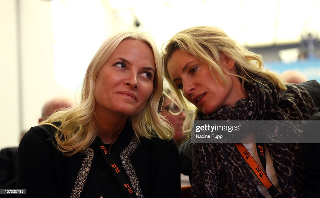 <a gi-track='captionPersonalityLinkClicked' href=/galleries/search?phrase=Crown+Princess+Mette-Marit&family=editorial&specificpeople=171288 ng-click='$event.stopPropagation()'>Crown Princess Mette-Marit</a> of Norway and DLDwoman chairwoman <a gi-track='captionPersonalityLinkClicked' href=/galleries/search?phrase=Maria+Furtwaengler&family=editorial&specificpeople=2135673 ng-click='$event.stopPropagation()'>Maria Furtwaengler</a> attend the Digital Life Design conference (DLD) at HVB Forum on January 22, 2012 in Munich, Germany. DLD (Digital - Life - Design) is a global conference network on innovation, digital, science and culture which connects business, creative and social leaders, opinion-formers and investors for crossover conversation and inspiration.