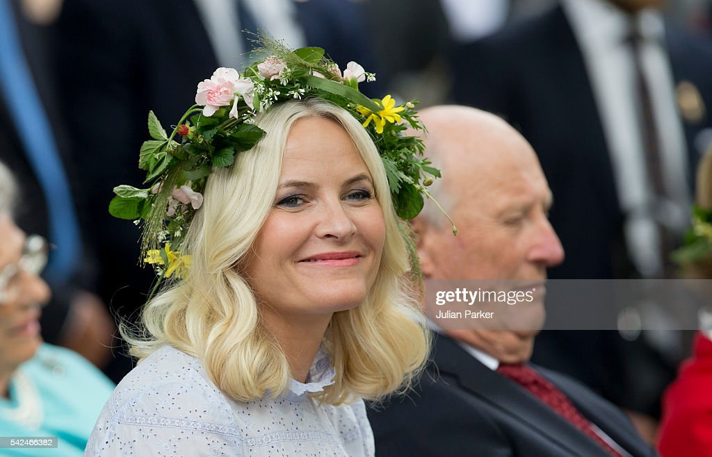 Crown Princess Mette-Marit of Norway, and King Harald of Norway attend a Garden Party at the Royal Residence, Stiftsgarden, on a visit to Trondheim, during King Harlad and Queen Sonja of Norway's Silver Jubilee Tour, on June 23, 2016 in Trondheim, Norway.