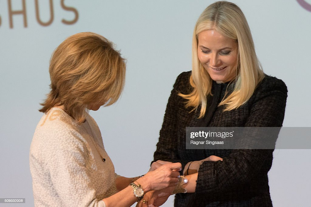 <a gi-track='captionPersonalityLinkClicked' href=/galleries/search?phrase=Crown+Princess+Mette-Marit&family=editorial&specificpeople=171288 ng-click='$event.stopPropagation()'>Crown Princess Mette-Marit</a> of Norway attends 'Girls And Technology' Conference on February 10, 2016 in Oslo, Norway.