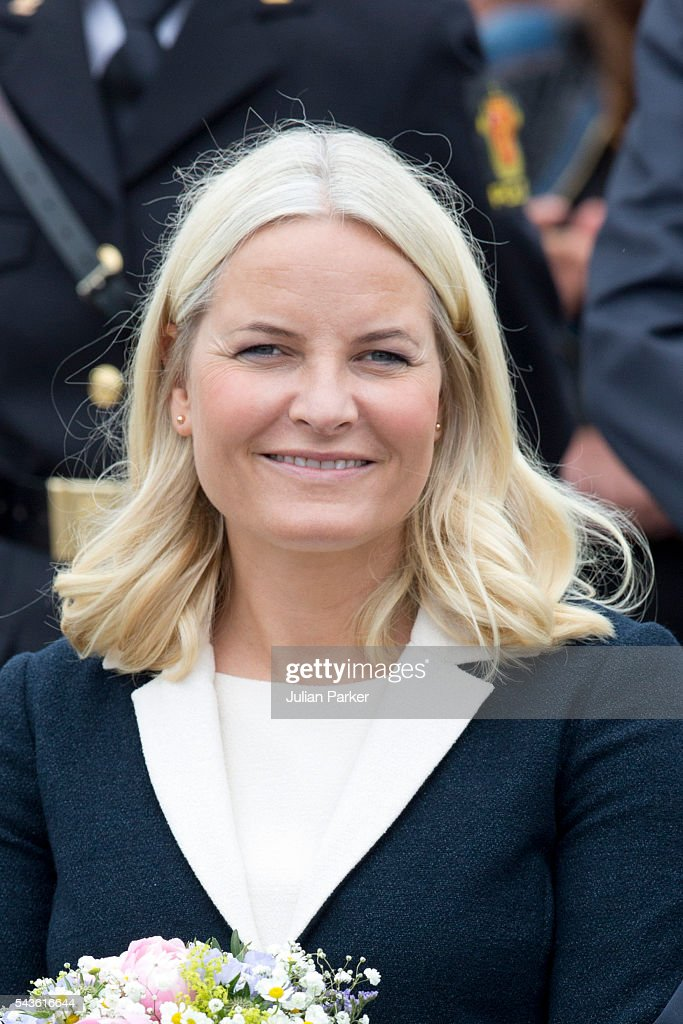 <a gi-track='captionPersonalityLinkClicked' href=/galleries/search?phrase=Crown+Princess+Mette-Marit&family=editorial&specificpeople=171288 ng-click='$event.stopPropagation()'>Crown Princess Mette-Marit</a> of Norway, on a visit to Kristiansand, during the King and Queen of Norway's Silver Jubilee Tour, on June 29, 2016 in Kristiansand, Norway.