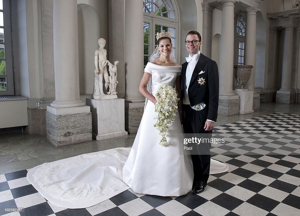 <a gi-track='captionPersonalityLinkClicked' href=/galleries/search?phrase=Crown+Princess+Victoria+of+Sweden&family=editorial&specificpeople=160266 ng-click='$event.stopPropagation()'>Crown Princess Victoria of Sweden</a> and Prince Daniel, Duke of Vastergotland pose after their wedding in Storkyrkan Church on June 19, 2010 in Stockholm, Sweden.