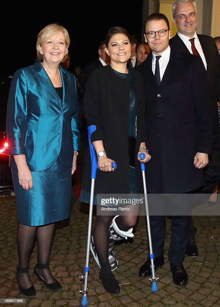 <a gi-track='captionPersonalityLinkClicked' href=/galleries/search?phrase=Crown+Princess+Victoria+of+Sweden&family=editorial&specificpeople=160266 ng-click='$event.stopPropagation()'>Crown Princess Victoria of Sweden</a> (C) and Prince Daniel of Sweden (R) arrive for a dinner with <a gi-track='captionPersonalityLinkClicked' href=/galleries/search?phrase=Hannelore+Kraft&family=editorial&specificpeople=4643983 ng-click='$event.stopPropagation()'>Hannelore Kraft</a> (L), Governor of North Rhine-Westphalia during their visit to North Rhine-Westphalia at Castle of Eller on January 28, 2014 in Dusseldorf, Germany.
