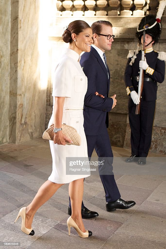 <a gi-track='captionPersonalityLinkClicked' href=/galleries/search?phrase=Crown+Princess+Victoria+of+Sweden&family=editorial&specificpeople=160266 ng-click='$event.stopPropagation()'>Crown Princess Victoria of Sweden</a> and Prince Daniel of Sweden attend Te Deum Thanksgiving Service To Celebrate King Carl Gustaf's 40th Jubilee at The Royal Palace on September 15, 2013 in Stockholm, Sweden.