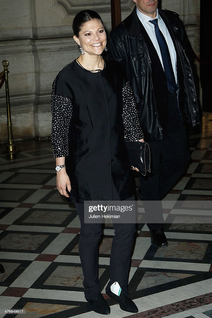 Crown Princess Victoria of Sweden arrives at Opera Garnier on March 6, 2014 in Paris, France.