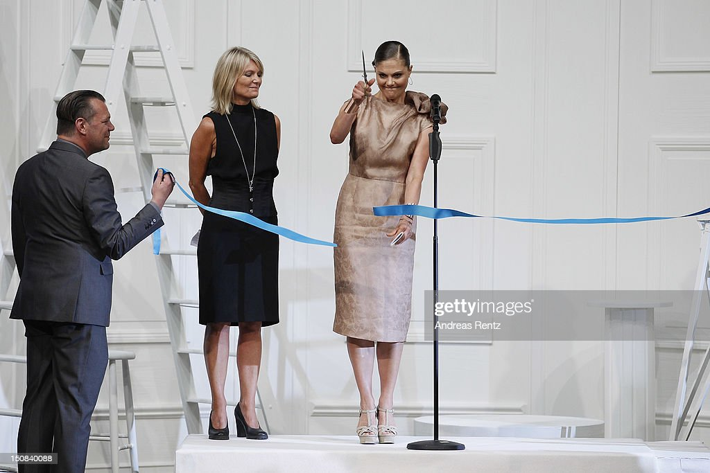 <a gi-track='captionPersonalityLinkClicked' href=/galleries/search?phrase=Crown+Princess+Victoria+of+Sweden&family=editorial&specificpeople=160266 ng-click='$event.stopPropagation()'>Crown Princess Victoria of Sweden</a> arrives for the Fadi El Khoury S/S 2013 Fashion Show during the Mercedes-Benz Stockholm Fashion Week at Berns on August 27, 2012 in Stockholm, Sweden.