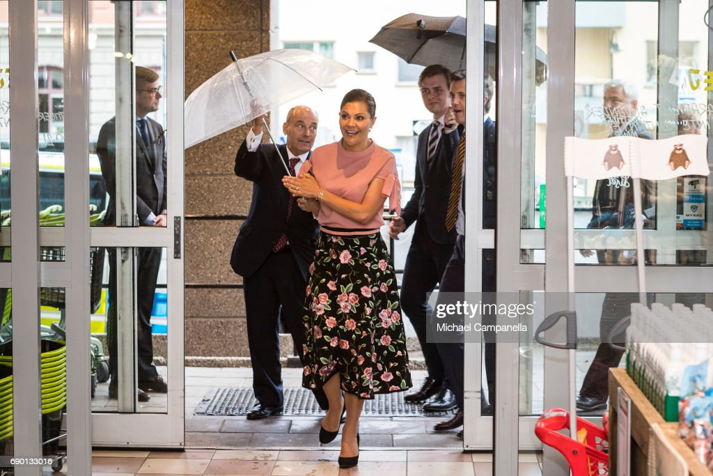 Crown Princess Victoria of Sweden is seen visting Paradiset, an organic grocery store, on May 30, 2017 in Stockholm, Sweden.