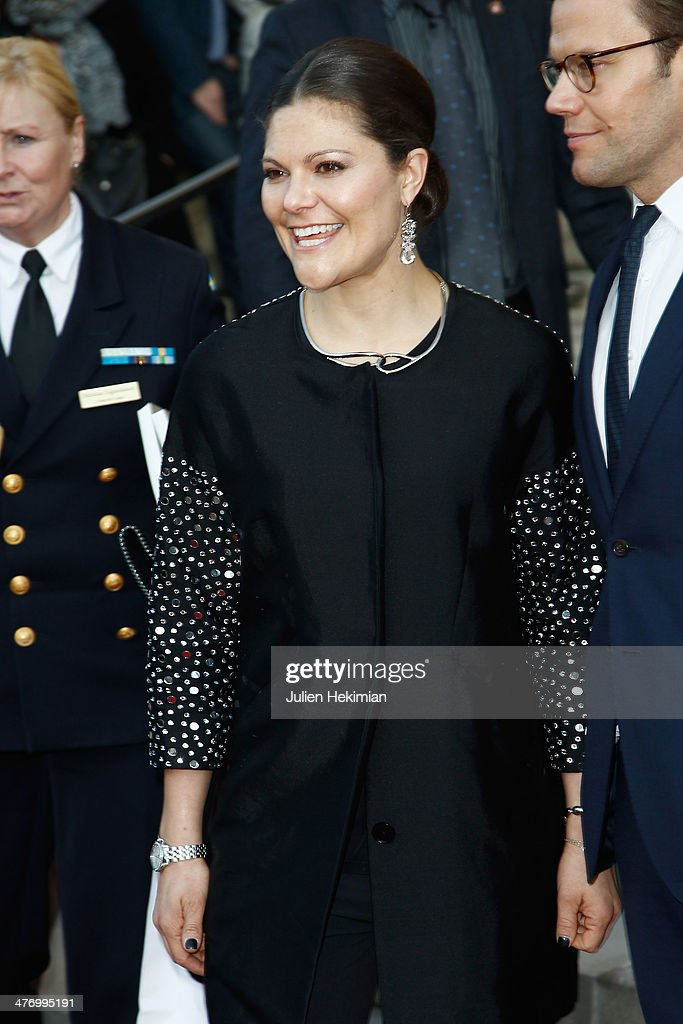 <a gi-track='captionPersonalityLinkClicked' href=/galleries/search?phrase=Crown+Princess+Victoria+of+Sweden&family=editorial&specificpeople=160266 ng-click='$event.stopPropagation()'>Crown Princess Victoria of Sweden</a> leaves Le Petit Palais after visiting the Carl Larsson exhibition on March 6, 2014 in Paris, France.