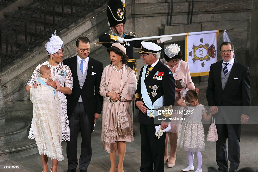 <a gi-track='captionPersonalityLinkClicked' href=/galleries/search?phrase=Crown+Princess+Victoria+of+Sweden&family=editorial&specificpeople=160266 ng-click='$event.stopPropagation()'>Crown Princess Victoria of Sweden</a>, Prince Oscar of Sweden, Prince Daniel of Sweden, Queen Silvia Of Sweden and King Carl Gustaf of Sweden are seen at Drottningholm Palace for the Christening of Prince Oscar of Sweden on May 27, 2016 in Stockholm, Sweden.