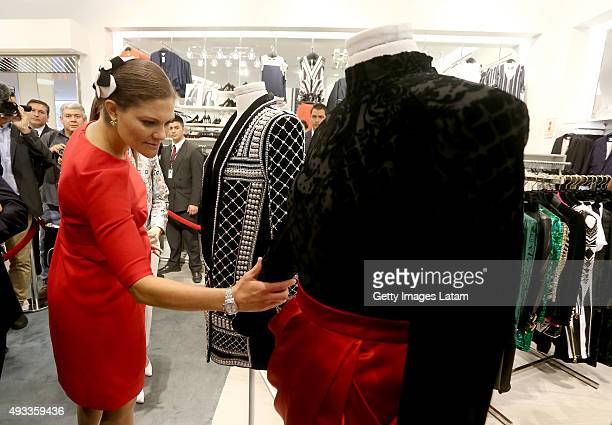 Crown Princess Victoria of Sweden visit a HM store at Jockey Plaza on October 19 2015 in Lima Peru