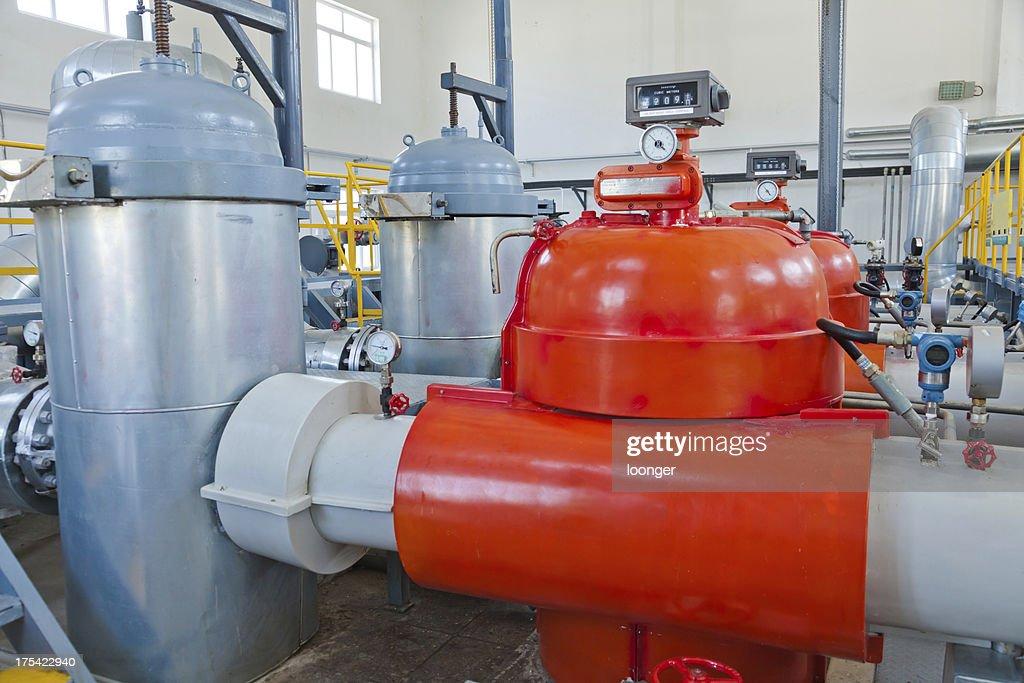 crude oil storage workshop : Stock Photo