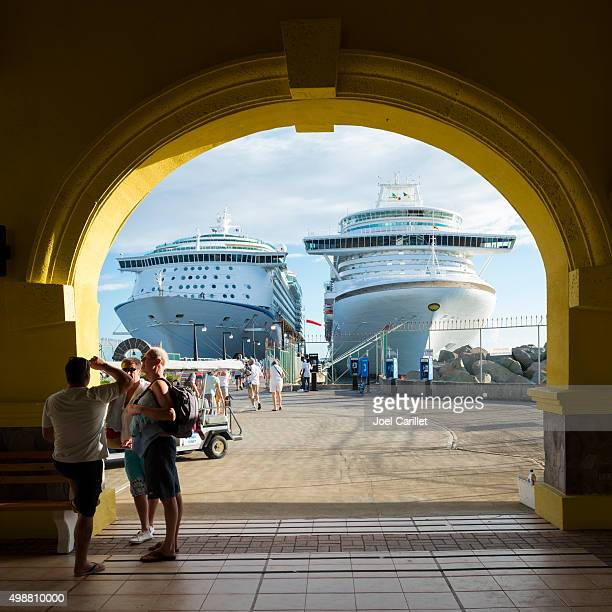 Cruise ships and passengers in St. Kitts