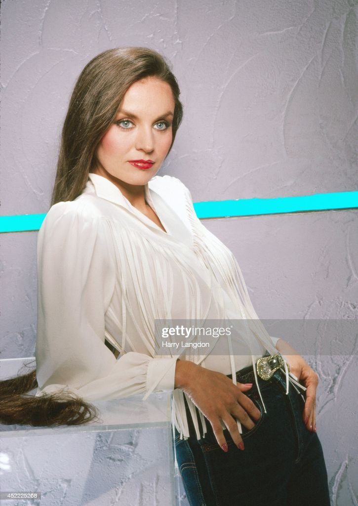 Crystal Gayle - Everything I Own