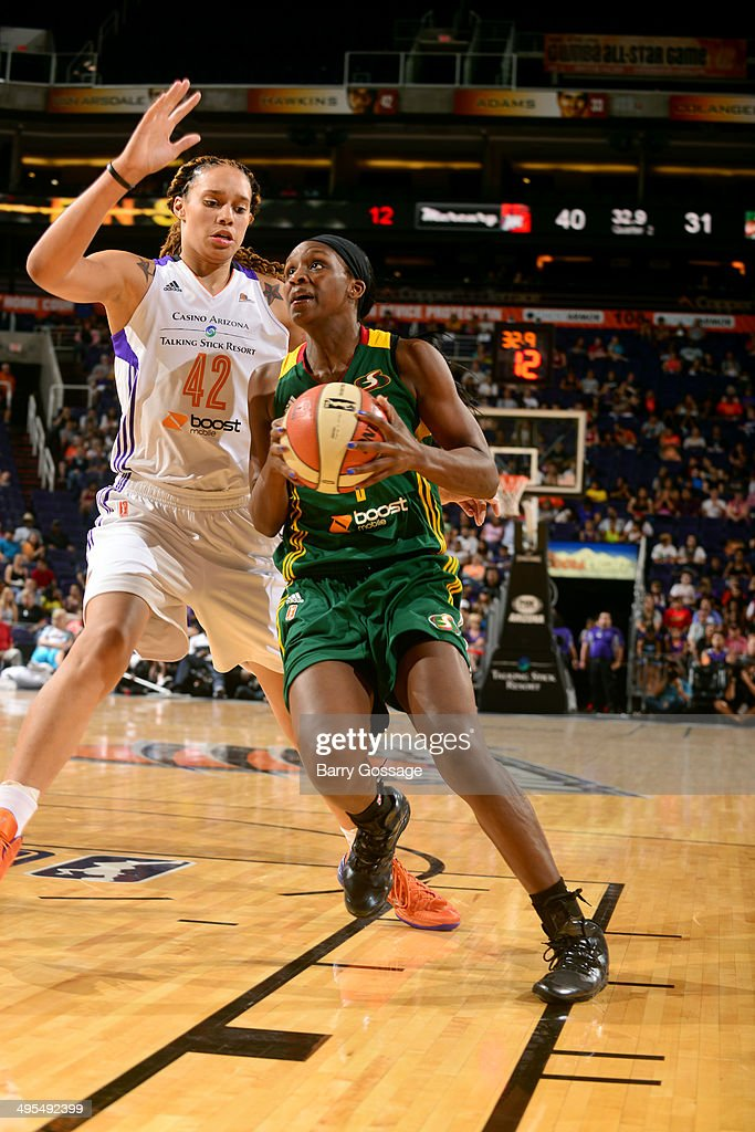 <a gi-track='captionPersonalityLinkClicked' href=/galleries/search?phrase=Crystal+Langhorne&family=editorial&specificpeople=700514 ng-click='$event.stopPropagation()'>Crystal Langhorne</a> #1 of the Seattle Storm drives against <a gi-track='captionPersonalityLinkClicked' href=/galleries/search?phrase=Brittney+Griner&family=editorial&specificpeople=6836945 ng-click='$event.stopPropagation()'>Brittney Griner</a> #42 of the Phoenix Mercury on June 3, 2014 at US Airways Center in Phoenix, Arizona.