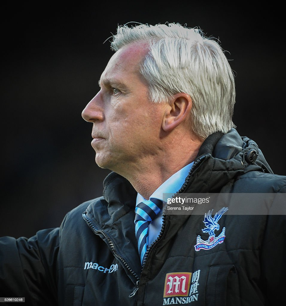 Crystal Palace Manager <a gi-track='captionPersonalityLinkClicked' href=/galleries/search?phrase=Alan+Pardew&family=editorial&specificpeople=171147 ng-click='$event.stopPropagation()'>Alan Pardew</a> during the Barclays Premier League match between Newcastle United and Crystal Palace at St.James' Park on April 30, 2016, in Newcastle upon Tyne, England.
