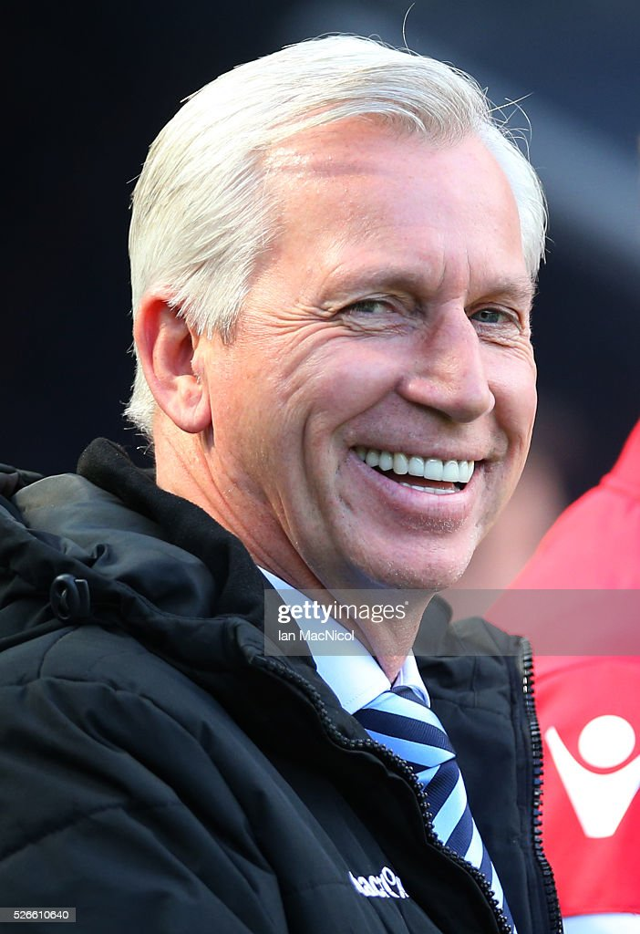 Crystal Palace manager <a gi-track='captionPersonalityLinkClicked' href=/galleries/search?phrase=Alan+Pardew&family=editorial&specificpeople=171147 ng-click='$event.stopPropagation()'>Alan Pardew</a> looks on during the Barclays Premier League match between Newcastle United and Crystal Palace at St James Park on April 30, 2016 in Newcastle, England.
