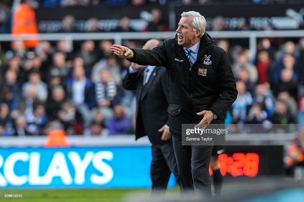 Crystal Palace Manager <a gi-track='captionPersonalityLinkClicked' href=/galleries/search?phrase=Alan+Pardew&family=editorial&specificpeople=171147 ng-click='$event.stopPropagation()'>Alan Pardew</a> shouts from the sidelines during the Barclays Premier League match between Newcastle United and Crystal Palace at St.James' Park on April 30, 2016, in Newcastle upon Tyne, England.