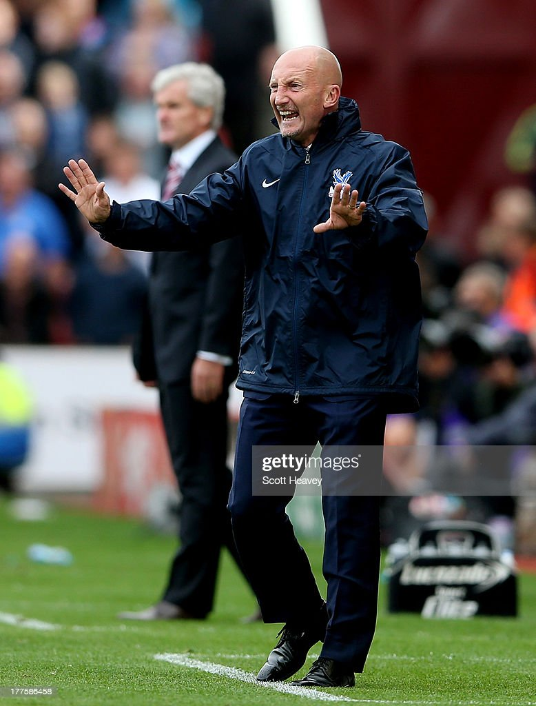 Crystal Palace manager <a gi-track='captionPersonalityLinkClicked' href=/galleries/search?phrase=Ian+Holloway&family=editorial&specificpeople=235580 ng-click='$event.stopPropagation()'>Ian Holloway</a> during the Barclays Premier League match between Stoke City and Crystal Palace at Britannia Stadium on August 24, 2013 in Stoke on Trent, England.