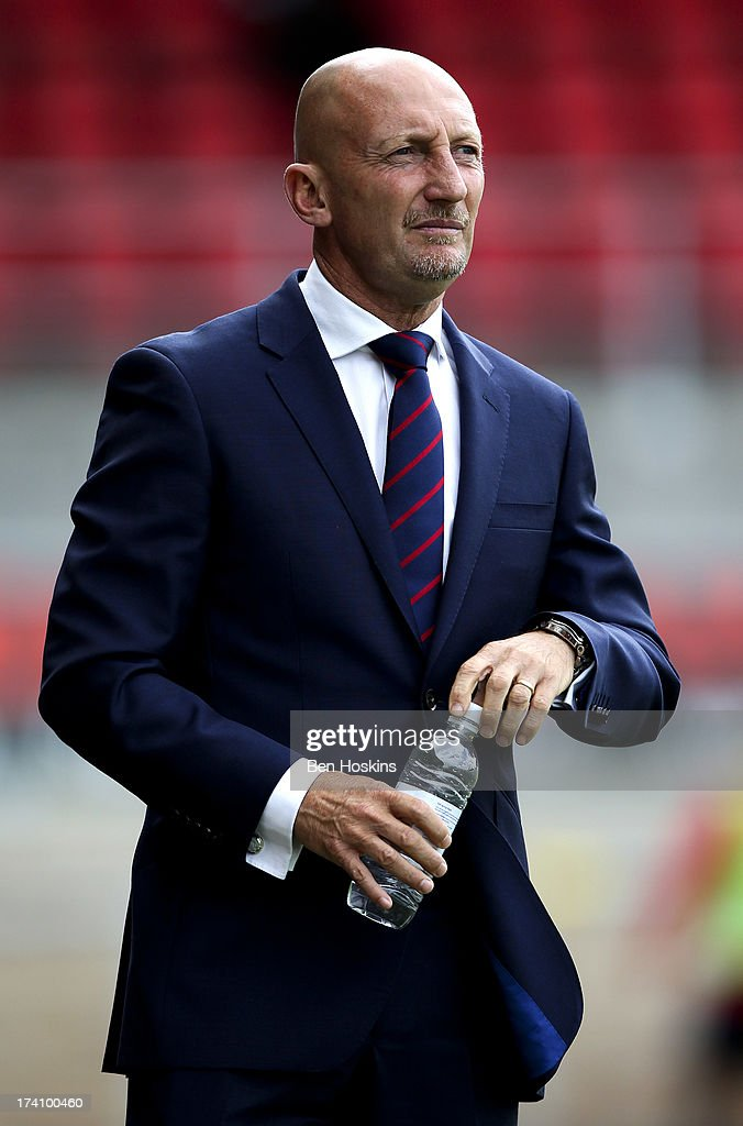 Crystal Palace manager <a gi-track='captionPersonalityLinkClicked' href=/galleries/search?phrase=Ian+Holloway&family=editorial&specificpeople=235580 ng-click='$event.stopPropagation()'>Ian Holloway</a> looks on during a pre season friendly match between Dagenham and Redbridge and Crystal Palace at The London Borough of Barking and Dagenham Stadium on July 20, 2013 in Dagenhm, England.