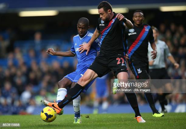 Crystal Palace's Damien Delaney and Chelsea's Nascimento Ramires battle for the ball