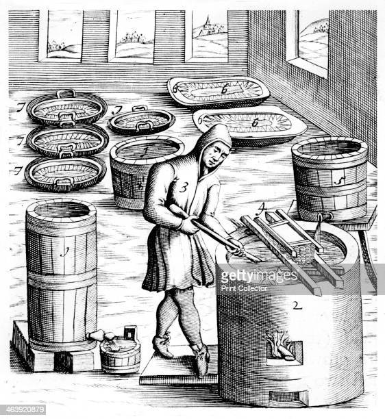 Crystallization of saltpetre 1683 Saltpetre is the principal ingredient in gunpowder and is still used in the preservation of some foods In medicine...