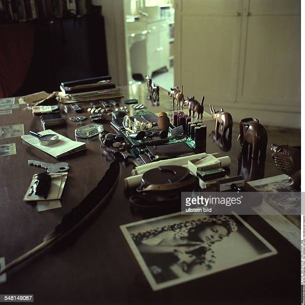 Hemingway Ernest *21071899 Writer USA Winner of the nobel prize for literature 1954 view into Hemingway's former house 'Finca Vigia' in San Francisco...