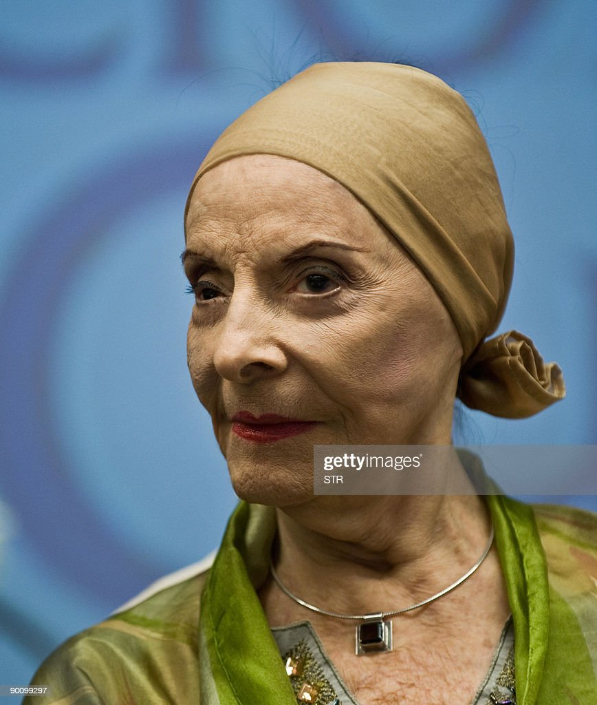 Cuban National Ballet Director <a gi-track='captionPersonalityLinkClicked' href=/galleries/search?phrase=Alicia+Alonso&family=editorial&specificpeople=217756 ng-click='$event.stopPropagation()'>Alicia Alonso</a> speaks during a press conference to announce the recent promotions in the company and details of the upcoming European tour, in Havana August 26, 2009. Alonso also expressed her willingness for the Cuban Ballet to perform in the United States.