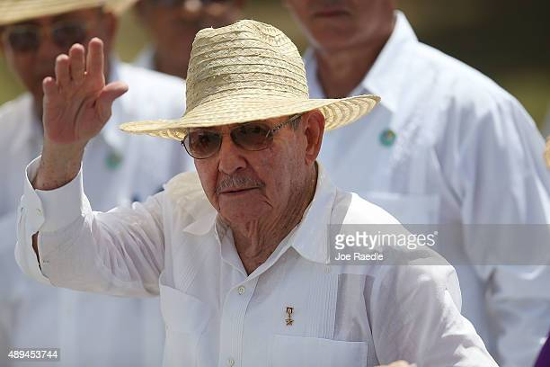 Cuban President Raul Castro waves after attending the Plaza de la Revolution Mass given by Pope Francis on September 21 2015 in Holguin Cuba Pope...