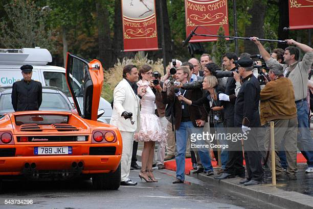 CubanAmerican Andy Garcia and British actress Emily Mortimer on the set of The Pink Panther 2 directed by Norwegian Harald Zwart