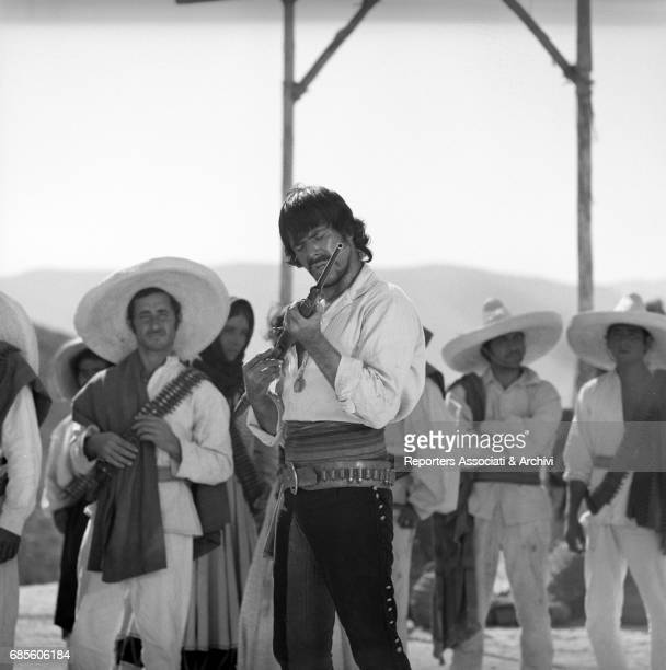 Cubanborn Italian actor and singer Tomas Milian holding his rifle in a scene from the western movie 'Tepepa' directed by Giulio Petroni Italy 1968