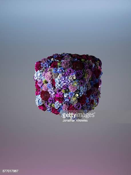 Cubic floral arrangement