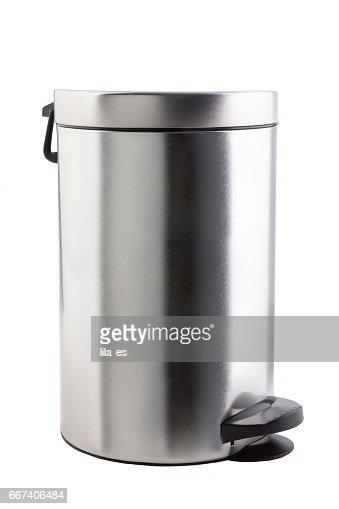 Cubo de basura cerrado. : Stock Photo