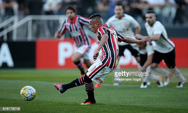 Cueva of Sao Paulo scoring the first goal during the match between Corinthians and Sao Paulo for the Brazilian Series A 2016 at Arena Corinthians on...