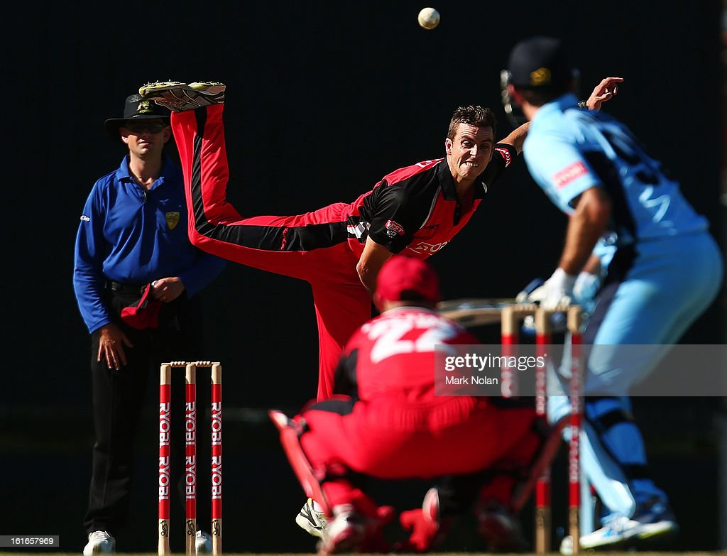 Cullen Bailey of the Redbacks bowls during the Ryobi Cup One Day match between the New South Wales Blues and the South Australian Redbacks at Sydney Cricket Ground on February 14, 2013 in Sydney, Australia.