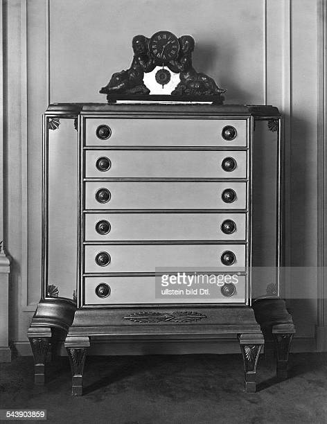 Clock on a commode about 1920 Photographer Carl Rogge Published by 'Die Dame' 07/1920/21Vintage property of ullstein bild