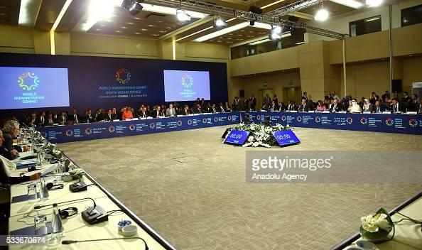 Cumhurbakan Recep Tayyip Erdoan ve Almanya Babakan Angela Merkel stanbul Kongre Merkezi'nde düzenlenen Dünya nsani Zirvesi'nin 'Çatmalar Önlemek ve...