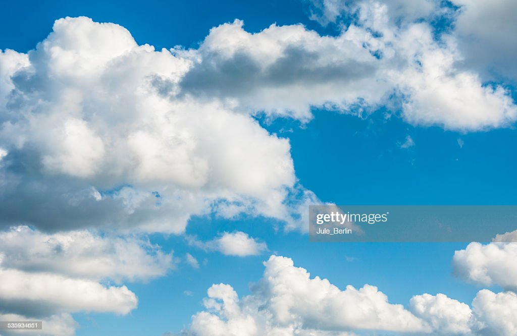 Cumulus clouds : Stock Photo