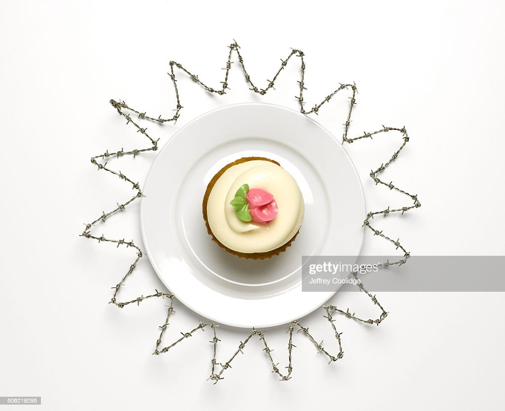Cup Cake with Barbwire