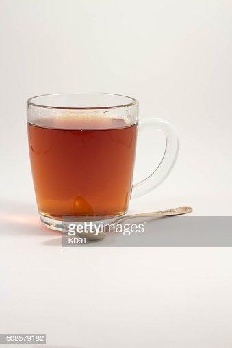 カップの紅茶、白の背景 : ストックフォト
