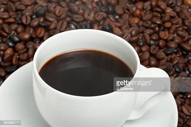 Taza de café con granos