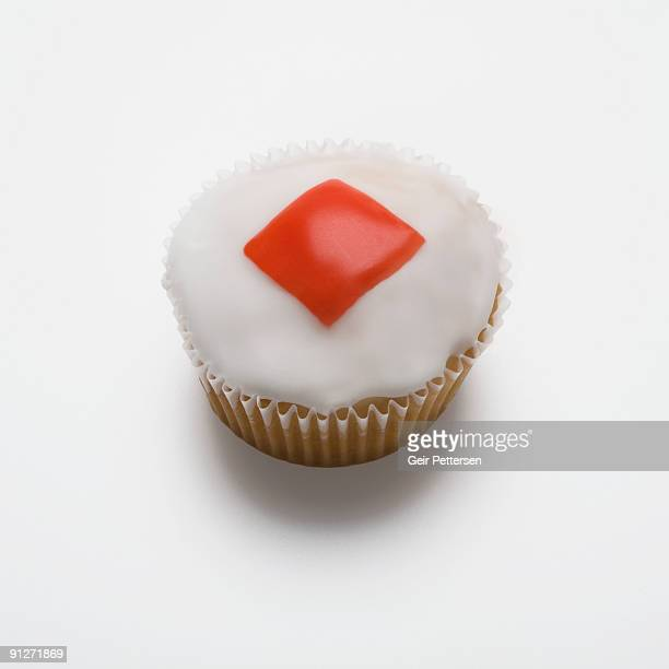 Cupcake decorated with the shape of rhombus