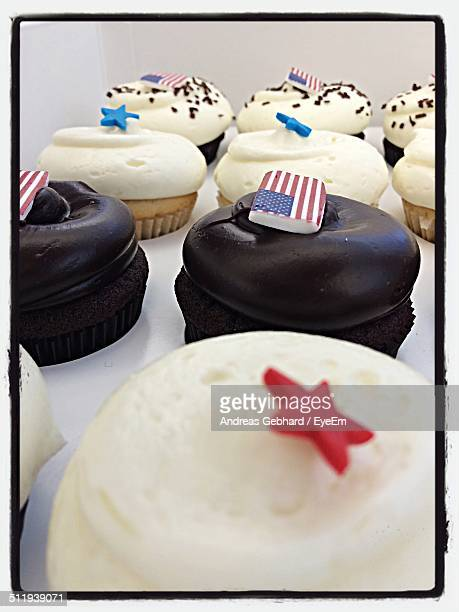 Cupcakes topped with US flags