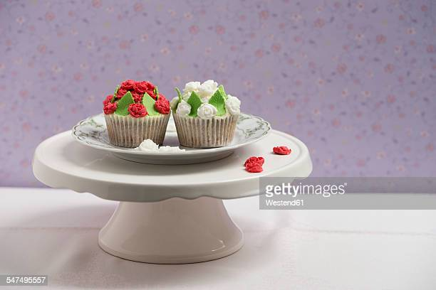 Cupcakes with rose blossom fondant