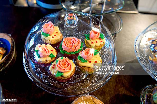 Cupcakes with rose flowers on the top