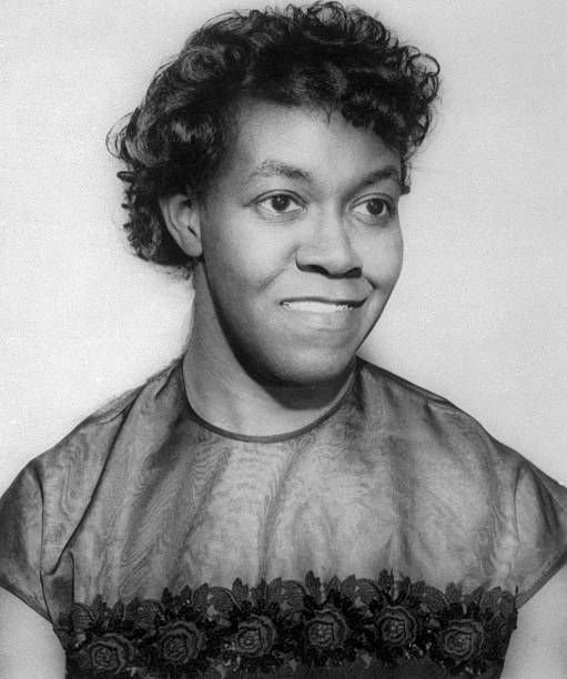 a biography of gwendolyn brooks the first african american to win pulitzer prize