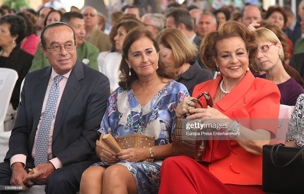 Curro Romero, Carmen Tello and Carmen Sevilla attend the Seville Golden Medal Ceremony at Seville Province Day on May 23, 2010 in Seville, Spain.