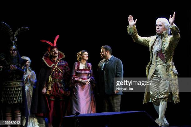 Curtain call at the 125th Anniversary Gala at the Metropolitan Opera House on Sunday night March 15 2009This imageDimitri Hvorostovsky with from left...