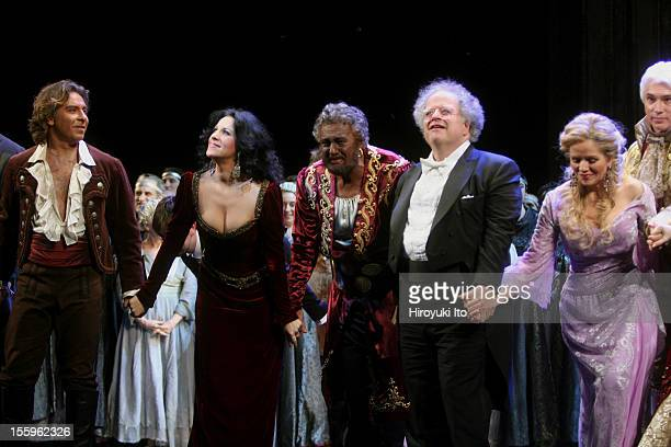Curtain call at the 125th Anniversary Gala at the Metropolitan Opera House on Sunday night March 15 2009This imageFrom left Roberto Alagna Angela...
