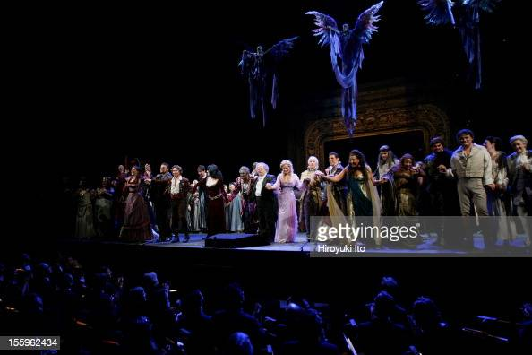 Curtain call at the 125th Anniversary Gala at the Metropolitan Opera House on Sunday night March 15 2009This imageJames Levine is in the middle in...