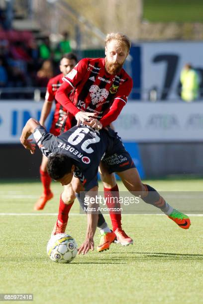 Curtis Edwards of Ostersunds FK and Romário Pereira Sipiao of Kalmar FF in action during the Allsvenskan match between Ostersunds FK and Kalmar FF at...