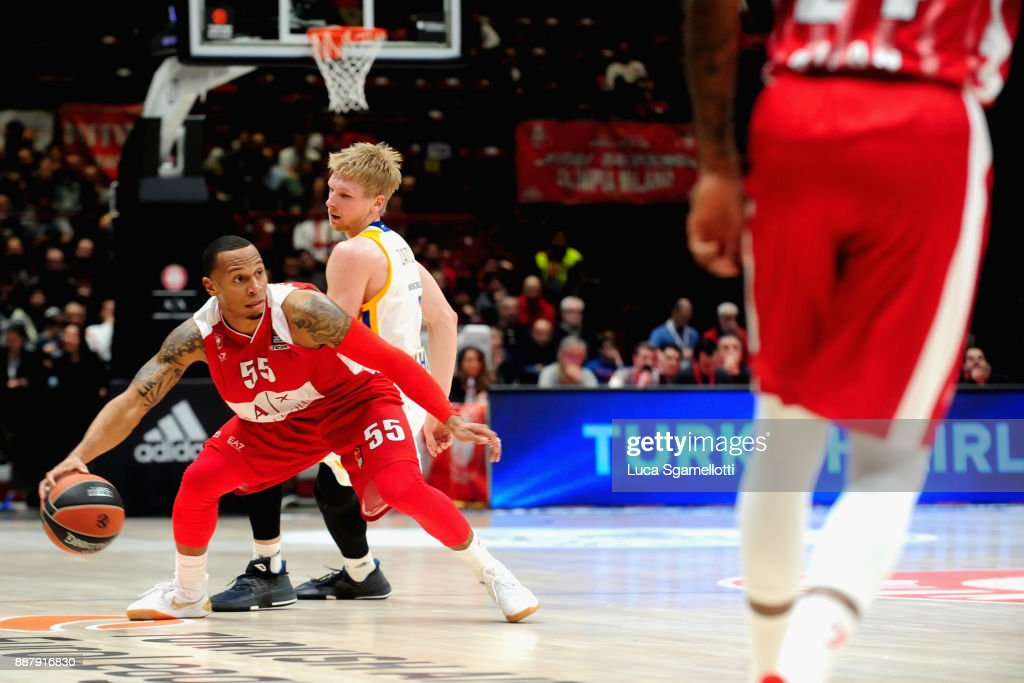 Curtis Jerrells, #55 of AX Armani Exchange Olimpia Milan in action during the 2017/2018 Turkish Airlines EuroLeague Regular Season Round 11 game between AX Armani Exchange Olimpia Milan and Khimki Moscow Region at Mediolanum Forum on December 7, 2017 in Milan, Italy.